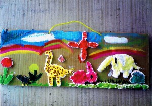 女の子:紙粘土で描く絵